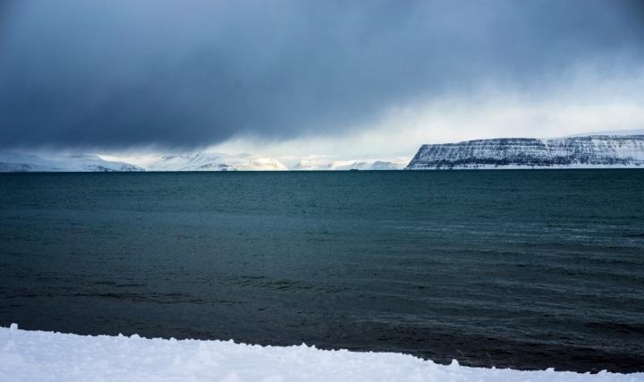 Lawine in den Westfjorden schliesst Touristen ein