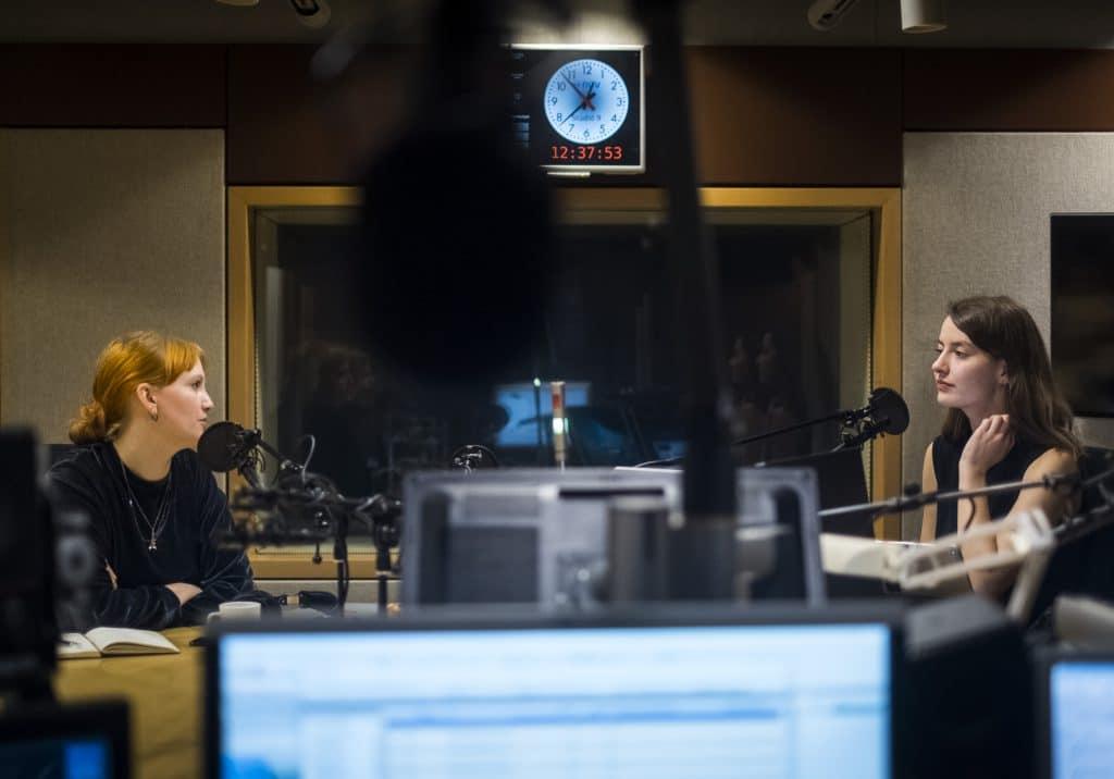 Radio show hosts Elín Elísabet Einarsdóttir and Sunna Axels.