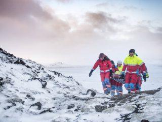 Schutzausrüstung an Rettungsteams verteilt