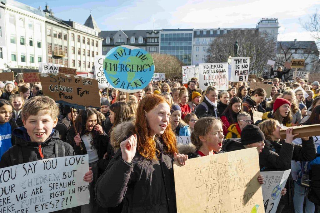 global youth crisis protest strike Skólaverkfall fyrir loftslagið
