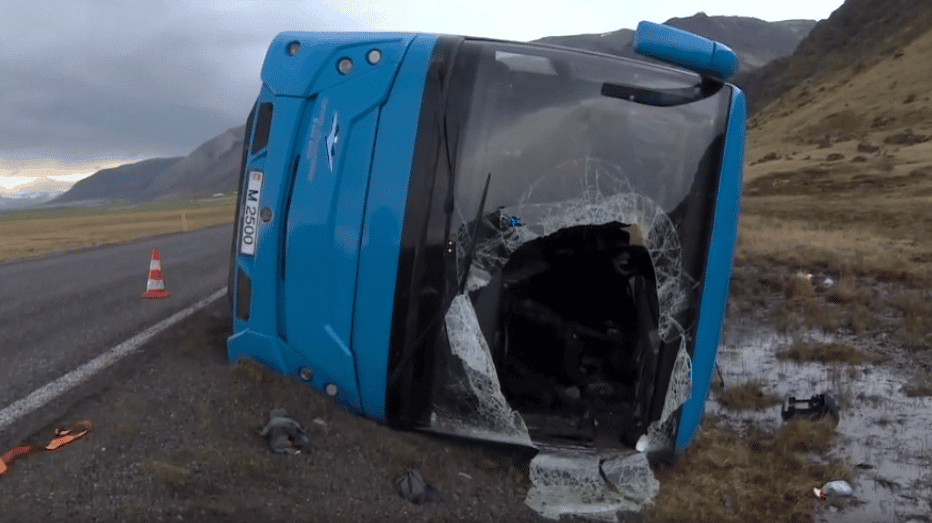 Four Seriously Injured in Southeast Iceland Bus Accident