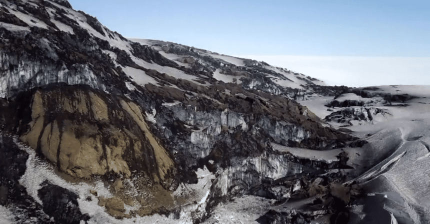 Geothermal Heat Exposes Glacial Cliffs – Iceland Review