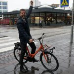 Mayor Dagur B. Eggertsson was among the first to try the new bike-sharing service.