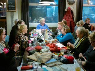 Icelanders Knit for Australian Animals