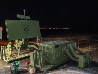Canadian Troops Install Mobile Radar on Reykjanes
