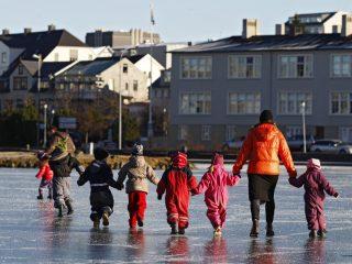 Drei Schulen geschlossen nach neuer Gruppeninfektion