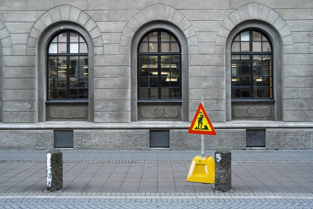 sale of state-owned Icelandic banks